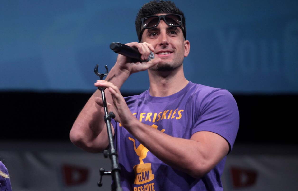 How old is Jesse Wellens? His Body Statistics, Girlfriends, And Daughter