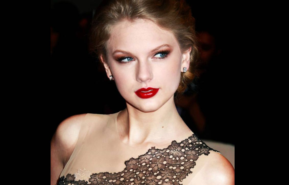 Taylor Swift Age, Net Worth, Affairs, Height, Weight & Instagram
