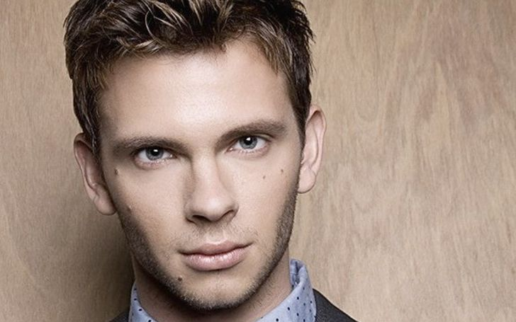 Devon Graye Affairs, Relationship, Net Worth, Movies