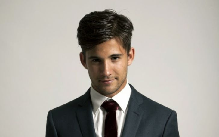 The Voice Season 3 Finalist, Dez Duron's Biography With Facts About His Net Worth, Songs, Siblings, Brother, Affairs