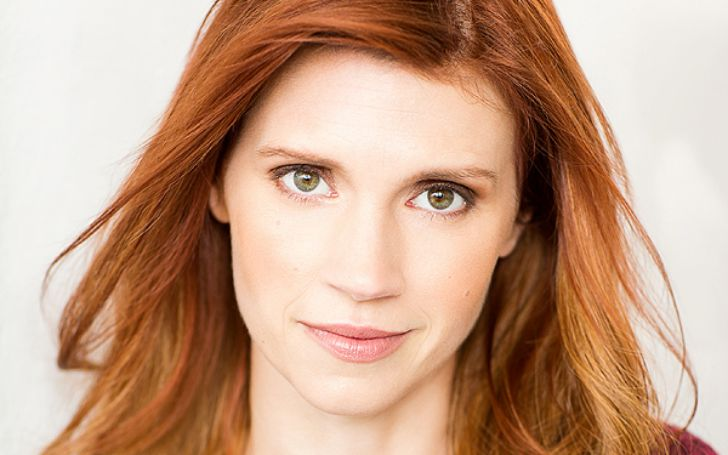 Julie McNiven's Biography With Age, Height, Husband, Married, Net Worth & Salary