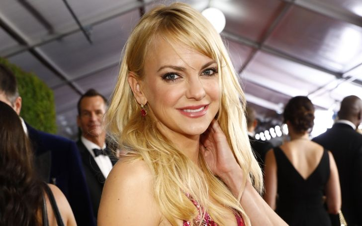 Who Is Anna Faris? Get To Know About Her Age, Net Worth, Career, Personal Life, & Relationship History