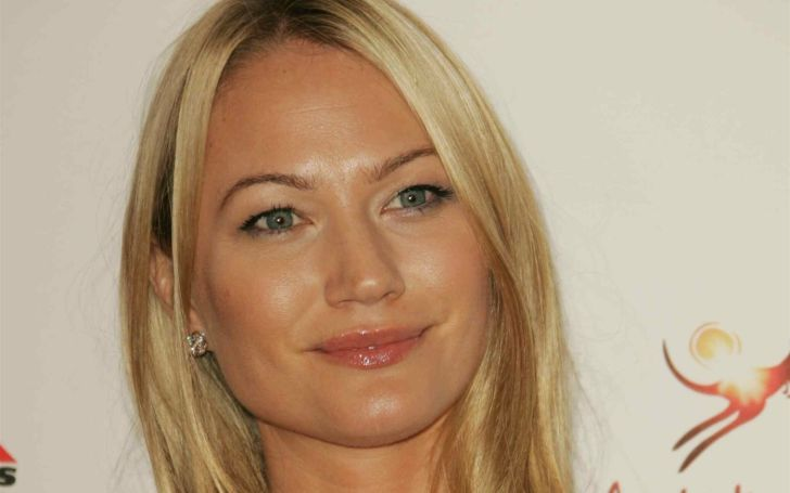 Sarah Wynter, Bio, Age, Net Worth, Career, Height, Body Measurements, Married, Husband, Children, Family