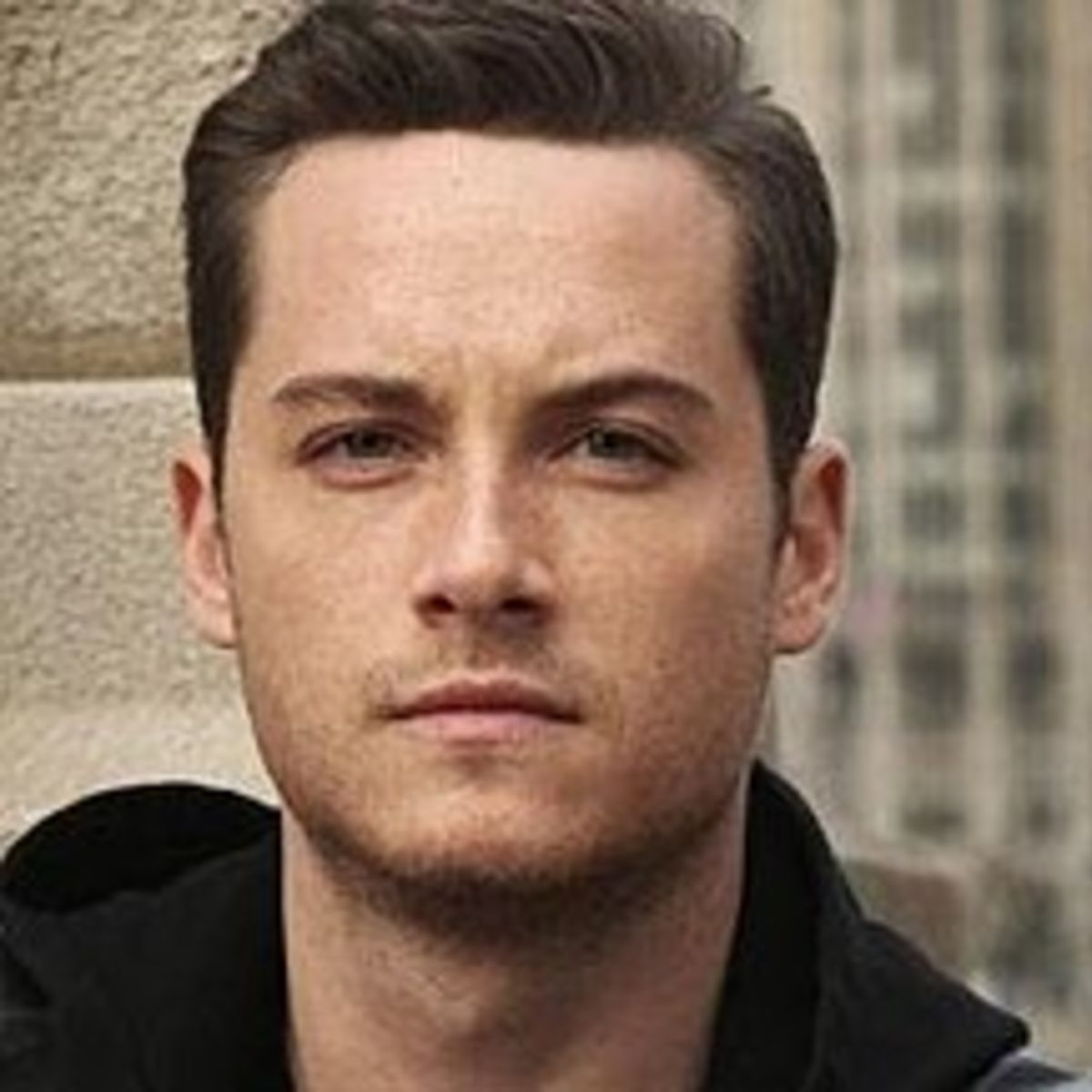 Jesse Lee Soffer Bio, Age, Height, Body Measurements, Movies, Boyfriend, Relationship, Siblings, Married, Net Worth