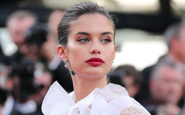 Who Is Sara Sampaio? Get To Know All About Her Age, Net Worth, Height, Body Measurements, Career, Relationship, & Family