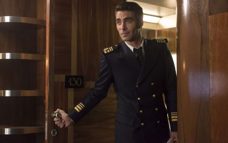Jon Kortajarena as Nicolás Vázquez in High Seas