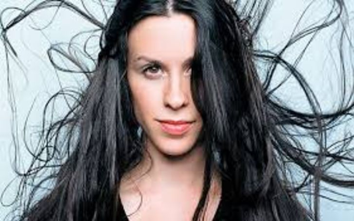 Who Is Alanis Morissette? Know About Her Age, Height, Net Worth, Measurements, Career, Achievements, & Relationship
