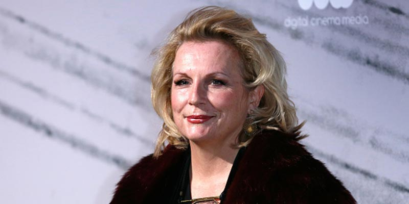 """The Stranger"" Actress Jennifer Saunders: Seven Facts You Might Be Unaware Of"