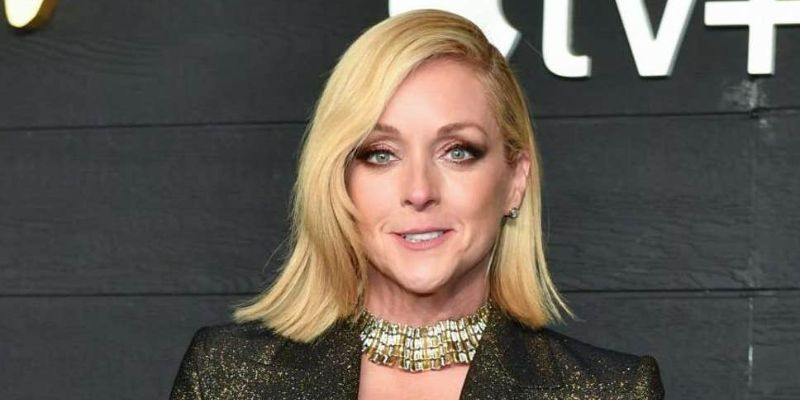 7 Facts About Jane Krakowski: Motherhood; Stage, TV, Movie Career; and Net Worth