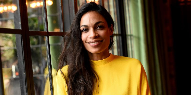 7 Facts About Briarpatch Actor Rosario Dawson: Which US Senator is She Dating? Does She have any Children? Her Career, & Net Worth