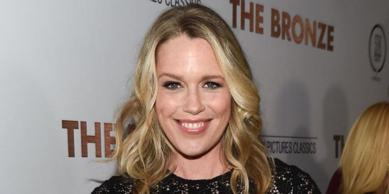 7 Facts About Jessica St. Clair: Life After Breast Cancer Diagnosis in 2015, Marriage, Children, Career, and Net Worth