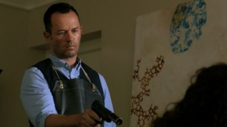 Greg Ellis in Hawaii Five-O